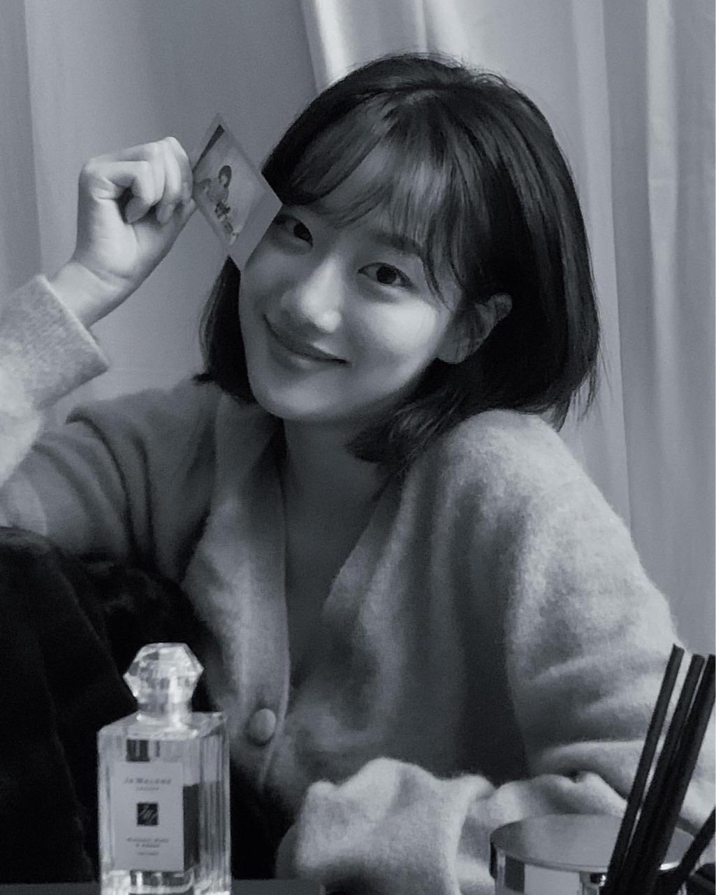 lee naeun, april, and girls image
