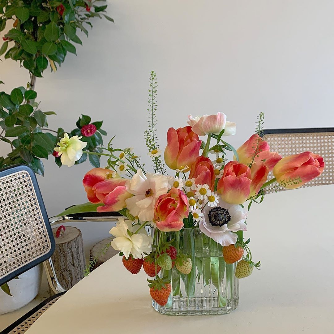 flowers and strawberry image