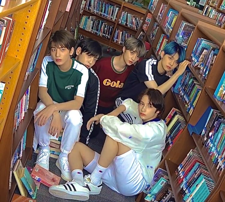 indie, kpop, and txt image