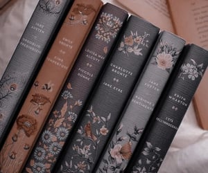 ✨To read a book it's like to live in a dream!✨