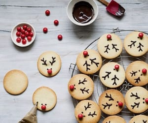 christmas, Cookies, and red image