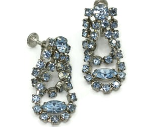 screw back earrings image
