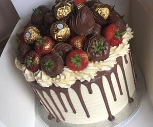 Strawberry chocolate ferrero cake.......🎂🍰🍓🍫