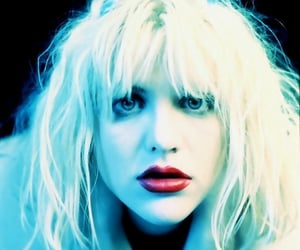 Courtney Love, girl band, and grunge image