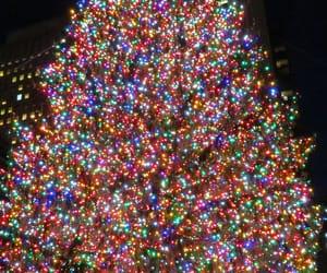 🎁 and christmas tree image