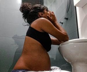38, azia, and banheiro image