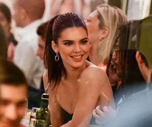 top model and kendall jenner image