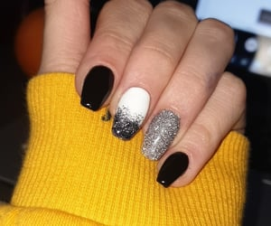 black, nails, and glitzer image