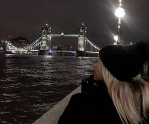 Londres and tower bridge image