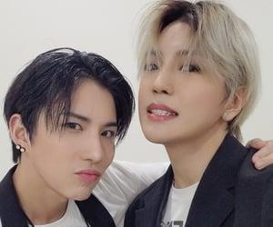 idol, donghun, and 와우 image