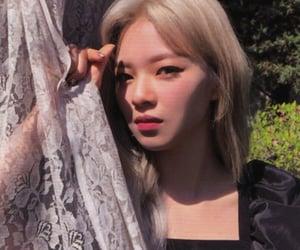 mina, jihyo, and jungyeon image