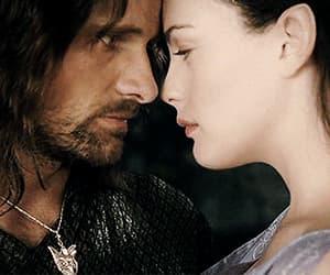 gif, couple love otp, and king aragorn elessar image