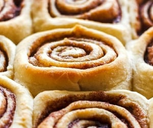 autumn, cinnamon rolls, and winter image