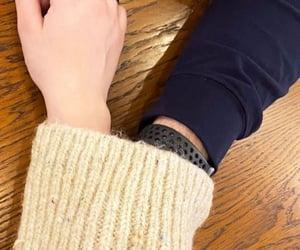 holding hands, حب عشق غرام غزل, and كبلات كبل ثنائي image
