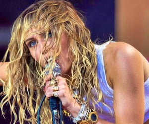 eyes, miley cyrus, and mother's daughter image