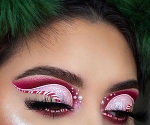 Cool x-mas eye makeup art.........✨🌲🎅🏻