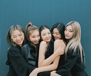 itzy, kpop, and girls image
