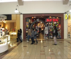 aesthetic, hot topic, and mall image