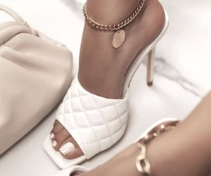 accessoires, jewels, and heels image