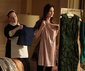 leightonmeester, queenb, and blairwaldorf image