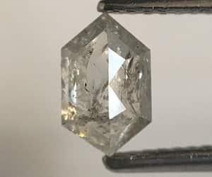 natural diamond, emerald shape diamond, and loose diamond image