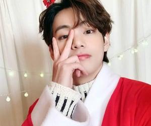 holidays, xmas, and taehyung image