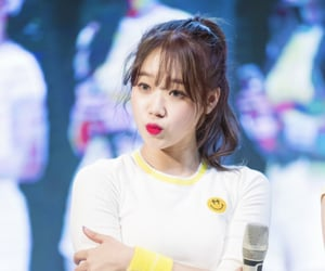 kpop, weme, and choi yoojung image