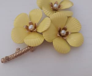 etsy, flower power, and yellow flowers image