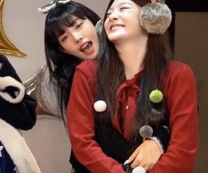 christmas, girls, and kpop image