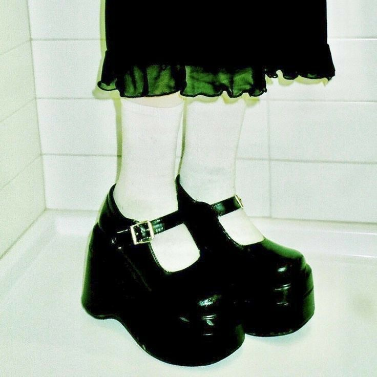 archive, grunge, and platforms image