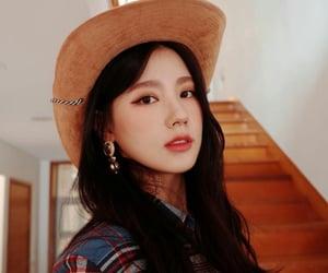 miyeon, gidle, and kpop image