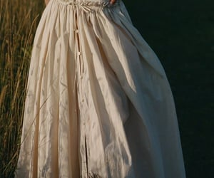 aesthetic, romantic aesthetic, and dress image