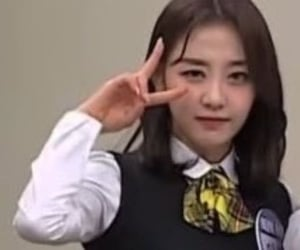 funny, twitter, and chuu image
