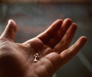 key and hand image
