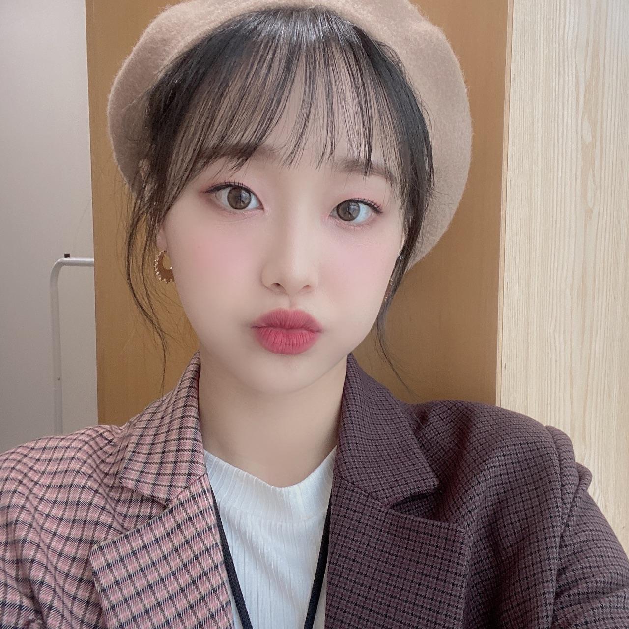 chuu, kim jiwoo, and loona image