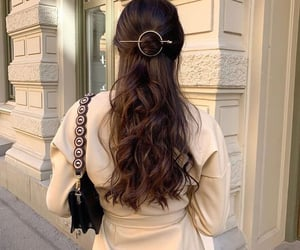 aesthetic, brunnette, and hairstyle image