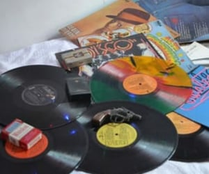cd, colors, and vinil image