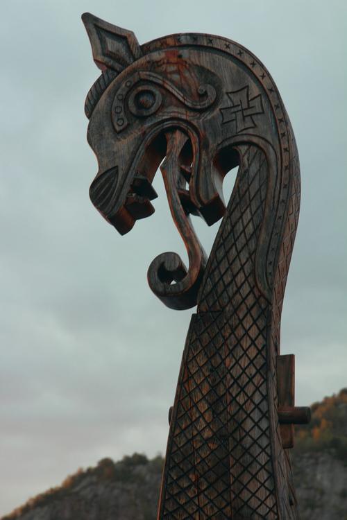 article, ivar lothbrok, and vikings image