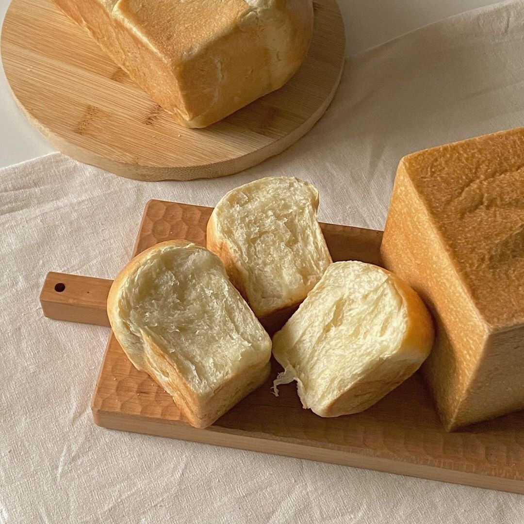 aesthetic, bread, and breakfast image