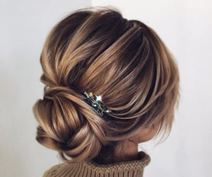 hair, pretty, and updo image
