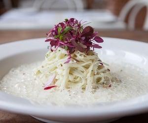 Taglierini with a creamy parmesan sauce @manimanioca