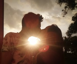 amor, beso, and pareja image