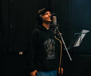 louis tomlinson, one direction, and studio image