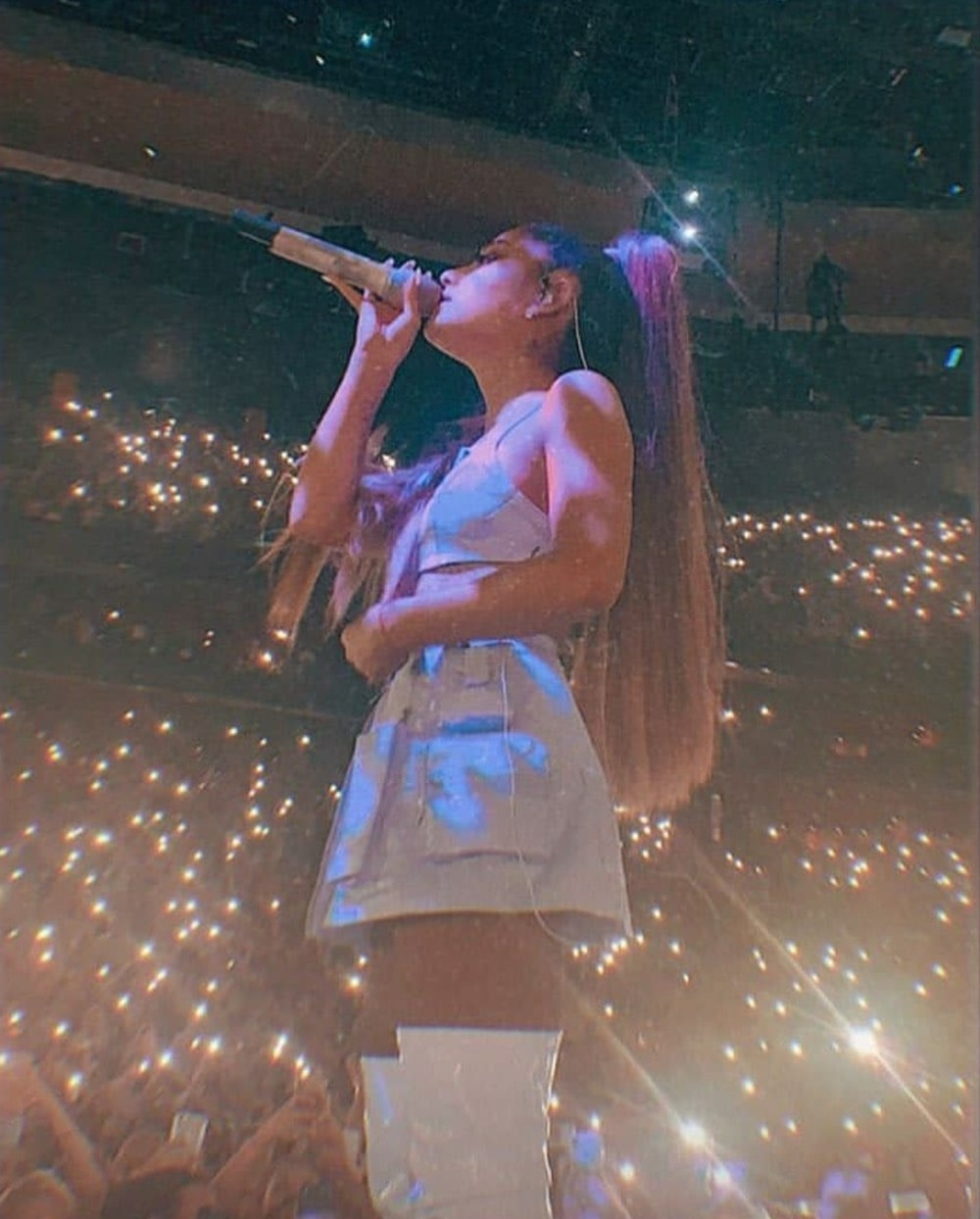 celebrity, tour, and sweetener world tour image