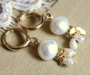 fashion, orchid, and pearl jewelry image
