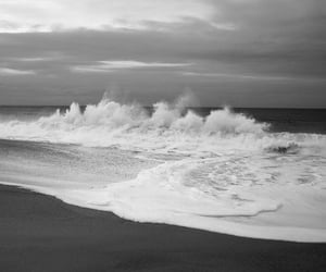 b&w, ocean, and waves image