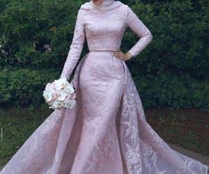 robe de soirée, prom dresses 2021, and beaded prom dresses image