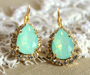 chic, vintage style, and crystal image