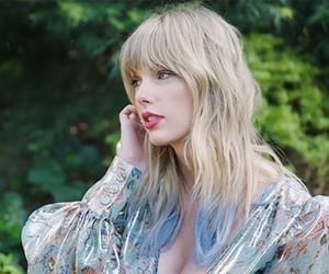 Taylor Swift, lover, and photoshoot image