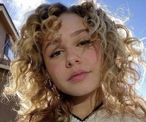 aesthetic, la, and selfie image